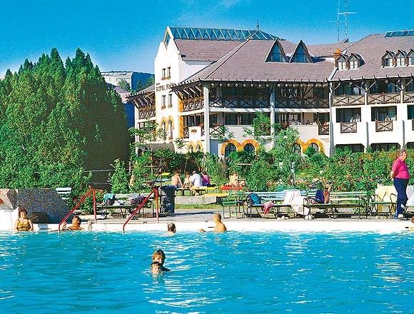 Hotel FLÓRA - Eger