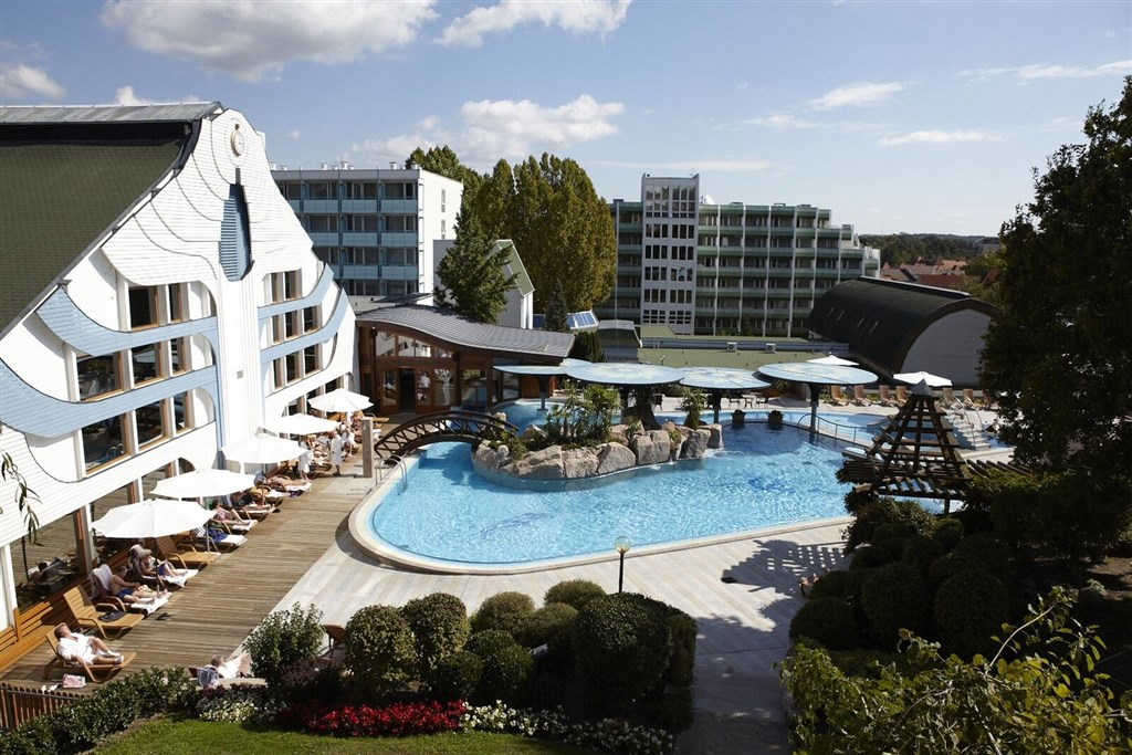 Hotel CARBONA - Gradac