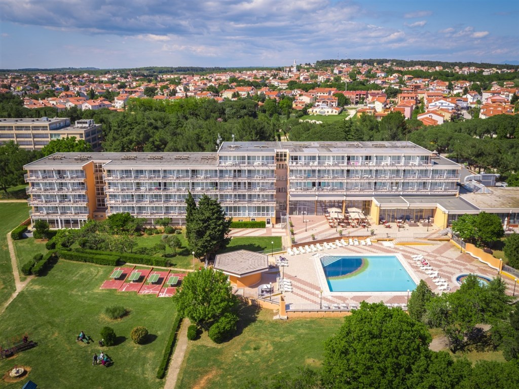 Arena Hotel HOLIDAY - Lixouri