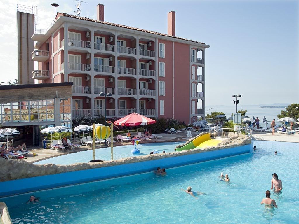 Hotel ŽUSTERNA - Mala Luka
