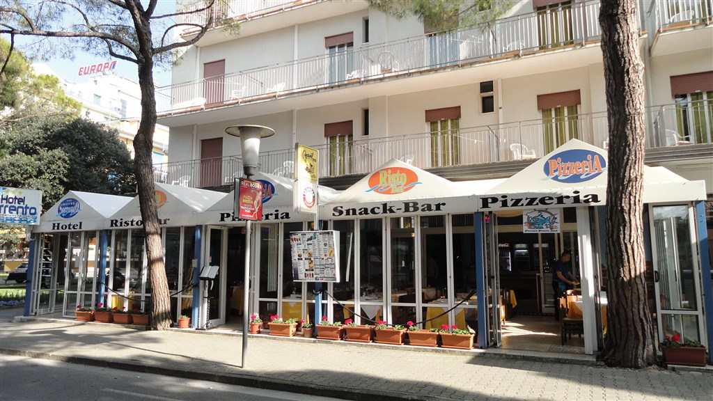 Hotel SORRENTO - Agia Anna