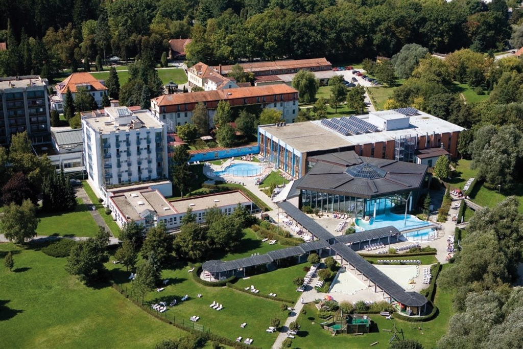 Hotel IZVIR - Ulcinjská riviéra