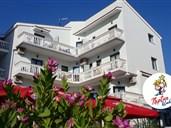 Aparthotel TRITON - Drvenik