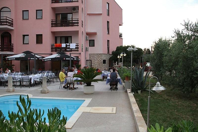Hotel VILLA STARI DVOR - Brela
